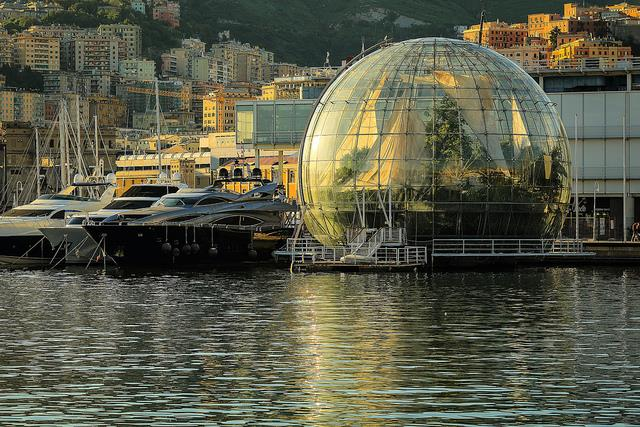 Visit the main attractions of the Old Port of Genoa with the Acquario Village Offer at BW Hotel Moderno Verdi in Genoa!
