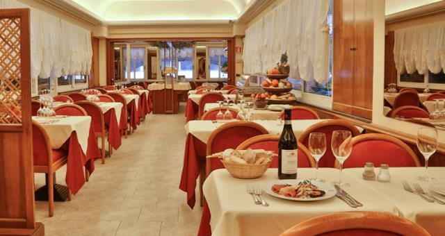 The refined Restaurant Rigoletto offers tasty dishes to satisfy the palate!