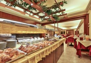 Looking for service and hospitality for your stay in Genoa? Then Best Western Hotel Moderno Verdi is the hotel for you